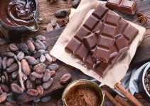 types of chocolate, chocolate spread, chocolate toxicity, dog toxins, pet toxins, chocolate toxicity in dogs, Animal Emergency & Referral Center of Minnesota, Minnesota animal emergency hospital, Twin Cities emergency vet, pet health, pet safety, pet dangers